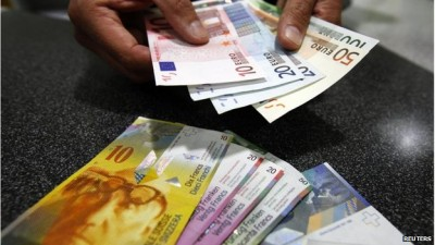 Swiss franc soars, stocks tank as euro peg scrapped